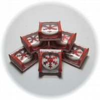 Dolls House 1:12th scale miniature boxed snowflake cake
