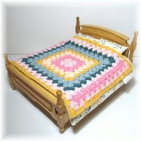 Dolls House 1:12th scale bedding. Crochet bedspread, blanket (c2)