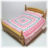 Dolls House 1:12th scale bedding. Crochet bedspread, blanket (c5)