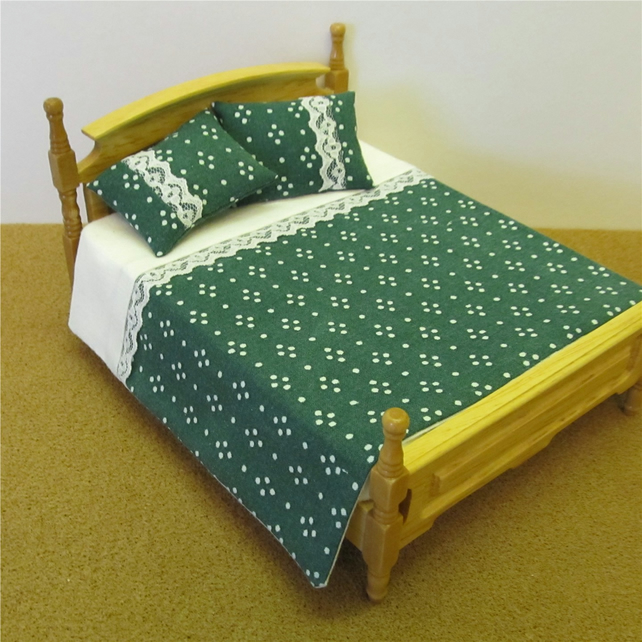 Dolls House 1:12th scale double bedding set (nd10)