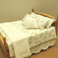 Dolls House 1:12th scale double bedding set (lb13)