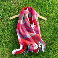 Scarf, raspberry check, hand woven scarf