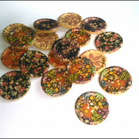 30 Beautiful Large Painted 4 Hole Wooden Buttons 30mm