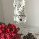 Glam-ma vinyl decorated wine glass gift
