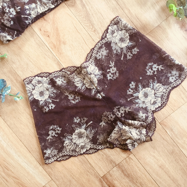 Cocoa and gold classic style  lace shortie