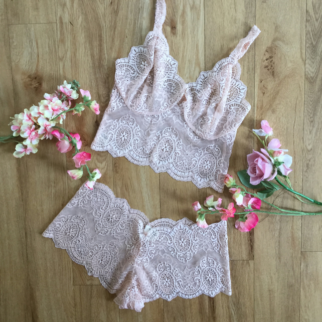 Pretty peach lingerie set,  bralette and briefs by Fidditchdesigns