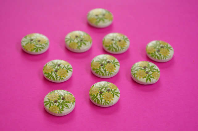 15mm Wooden Floral Buttons Yellow Green White 10pk Flowers (SF5)