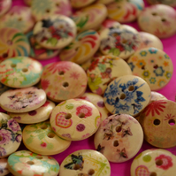 15mm Wooden Buttons Random Natural Mix 10pk Flowers (SN1)