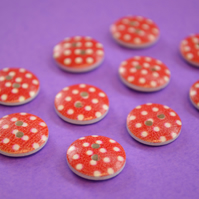 15mm Wooden Spotty Buttons Red With White Dots 10pk Spot Dot (SSP14)