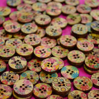 15mm Wooden Buttons Random Natural Mix 10pk 4 Hole Flowers (NFF1)