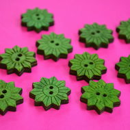 Colourful Wooden Star Flower Buttons Floral Green 10pk Flowers 20x20mm (STF3)