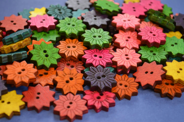 Colourful Wooden Star Flower Buttons Floral Mixed 10pk Flowers 20x20mm (STF1)