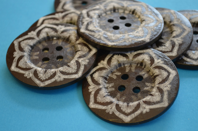 Giant Wooden Buttons 60mm Natural Brown Button Huge Large Flower (G4)
