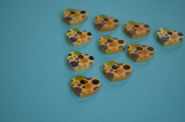 Small Natural Wooden Heart Buttons Floral Purple Yellow Green 10pk 18x15mm (NH4)
