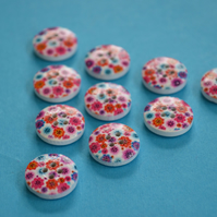 15mm Wooden Floral Buttons Purple Pink Red Blue 10pk Flowers (SF13)