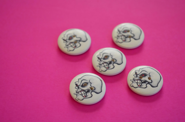 20mm Wooden Skull Buttons 5pk Goth Button (SK1)