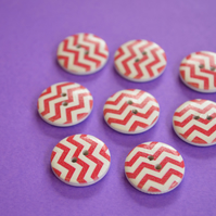 Wooden Red & White Zig Zag Buttons 8pk 20mm (MZ4)