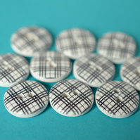 15mm Wooden Tartan Buttons Black, White & Grey 10pk Checked Plaid (SCK5)