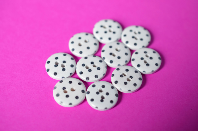 15mm Wooden Spotty Dalmation Buttons White & Black 10pk Spot Dot (SSP25)
