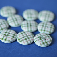 15mm Wooden Tartan Plaid Buttons Green, White & Red 10pk Checked Check (SCK7)