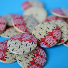 30mm Wooden Red, Pink & Natural Wood Printed Buttons 6pk Large Button (RLG6)