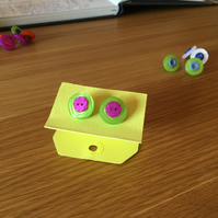 Double button stud earrings