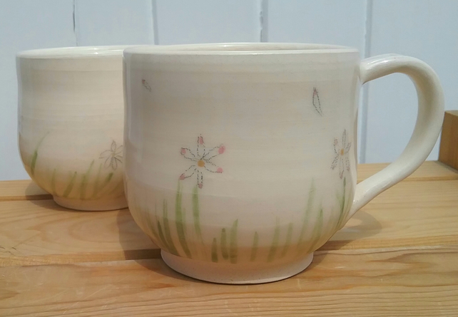 Handthrown ceramic handpainted daisy mug - pottery flower mothers day gift cup
