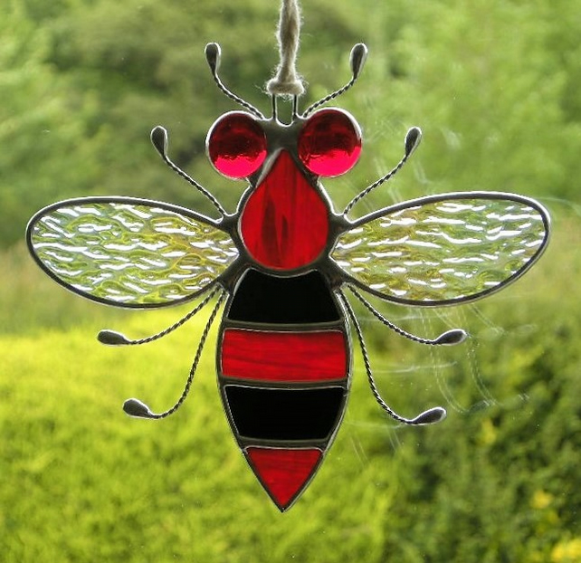 Stained glass Bee iridescent wings, red iridescent body and red eyes