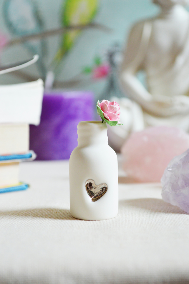 Mini Bottle with Embossed Platinum Heart and Paper Pink Rose(Wire stem)