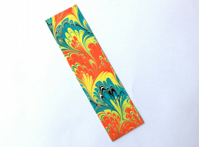 Bright and colourful marbled paper bookmark bouquet pattern