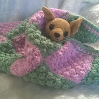 Hand knitted Pet Blanket for your small and tiny pet