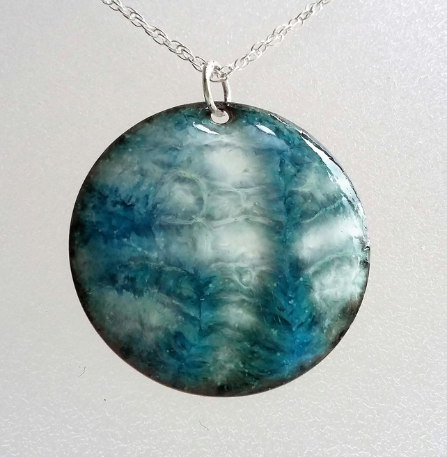 Enamelled copper 'shell' pendant 044