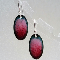 Enamelled copper red and pink oval earrings 080