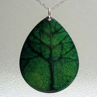 Tree design teardrop pendant in enamelled copper 103