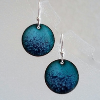 Turquoise and blue round enamelled copper earrings 112