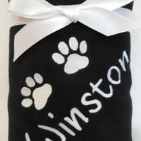 NEW PUPPY PERSONALISED BLANKET.  DOG OR CAT BLANKET. ANY NAME AND TWO PAW PRINTS