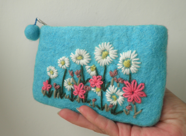turquoise felted and embroidered purse, felt flower bag, daisy coin purse