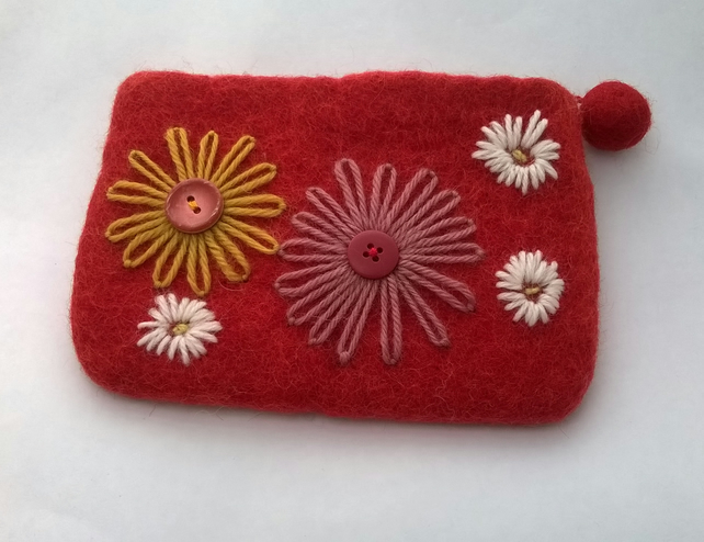 HALF PRICE red felted and embroidered purse, daisy compact make up bag,