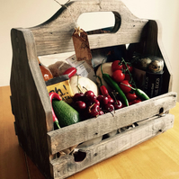 Antique style crate for beer, wine, produce or plants with handle