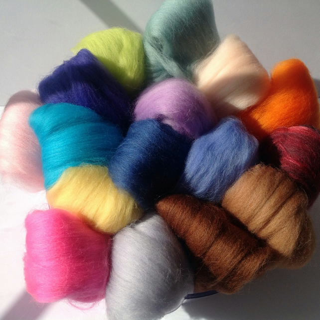 10 Colourful felting wools, wool fibre,