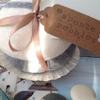 Luxury Bath Sponge, gift set,  Sponge Pebbles by Linda.