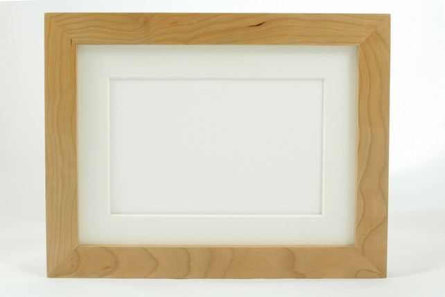 Museum Photo Frame in Cherry