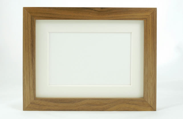 Museum Photo Frame in Walnut