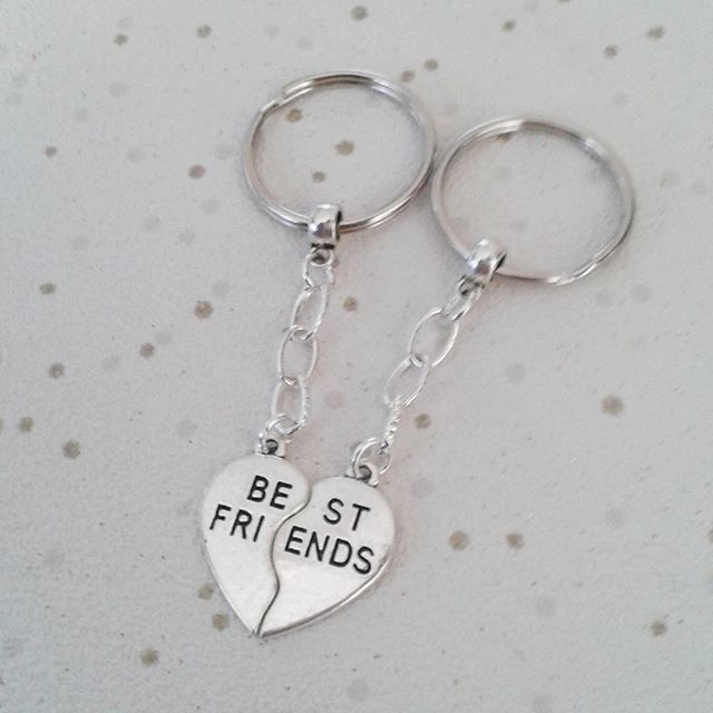 best friends keyring split share keychain bag charm gift for friendship set pair