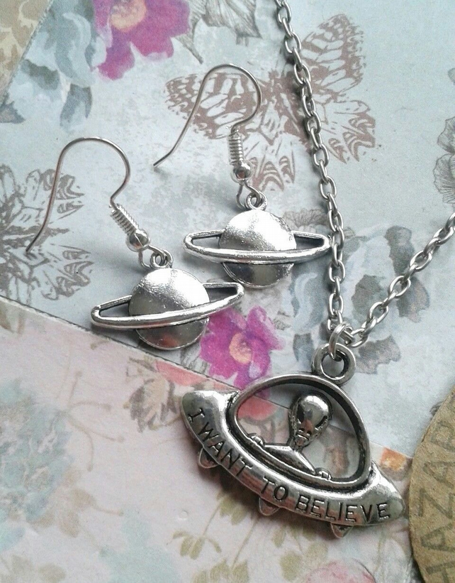 sale Necklace & earring set saturn planet alien ufo i want to believe gifts set