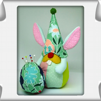 Pin Cushion Lappi - the Easter Bunny