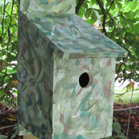 bird box bird house nesting box for garden birds great present for dad him her