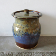 Handthrown Stoneware Jar in Autumnal Glaze - Pottery - Ceramic - Art and Craft