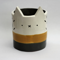 Ceramic kitty pot