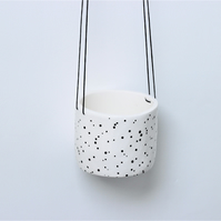 Ceramic spotty hanging pot